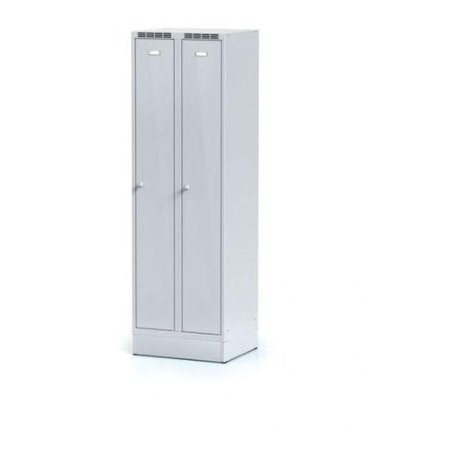 Szafki do przebieralni, Metalowa szafka ubraniowa, na cokole, szare dwupłaszczowe drzwi, zamek obrotowy