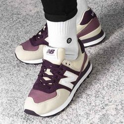 New Balance 574 (WL574INB)