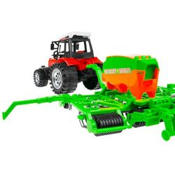 Traktor z siewnikiem 666-107B