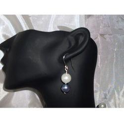 K-00006 Kolczyki z perełek szklanych białych i popielatych rabat 25%