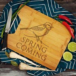 Spring is Coming - deska do krojenia z grawerem - Deska bambusowa