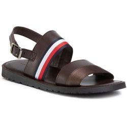 Sandały TOMMY HILFIGER - Corporate Strap Leather Sandal FM0FM02755 Cocoa GT6